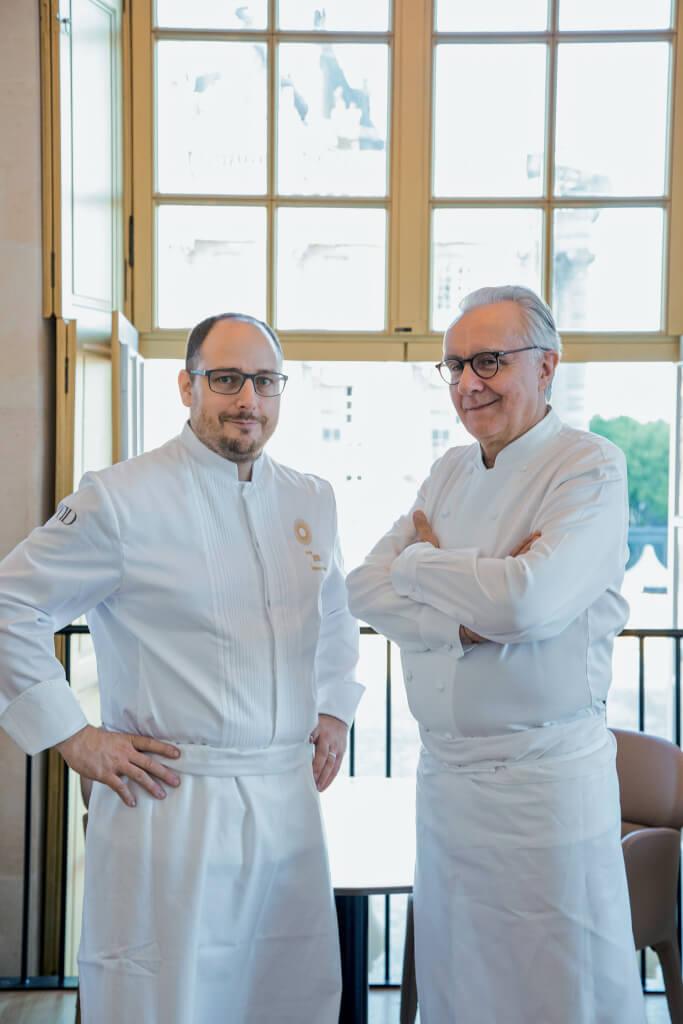 Stéphane Duchiron, chef du restaurant ore –Ducasse au château de Versailles et Alain Ducasse. Photographie Pierre Monetta.