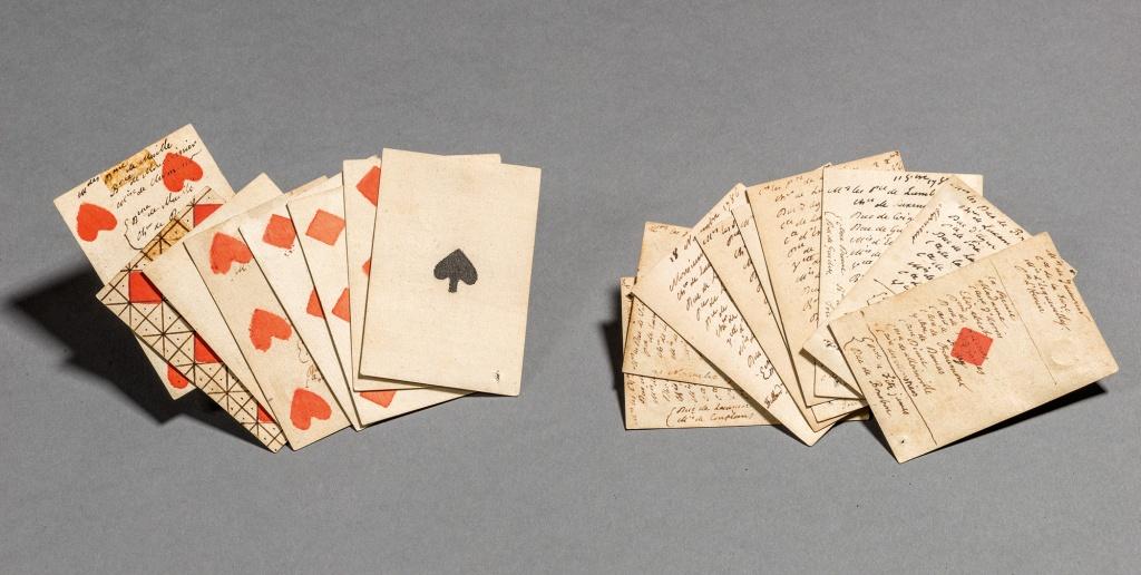 Cartes nº 0, 6, 7, 10-24, 36-41, nº 75, 76 et 81, extraites du jeu de 84 cartes et feuillets d'almanach, avec inscriptions de la main de Louis XVI – 1786-1789.