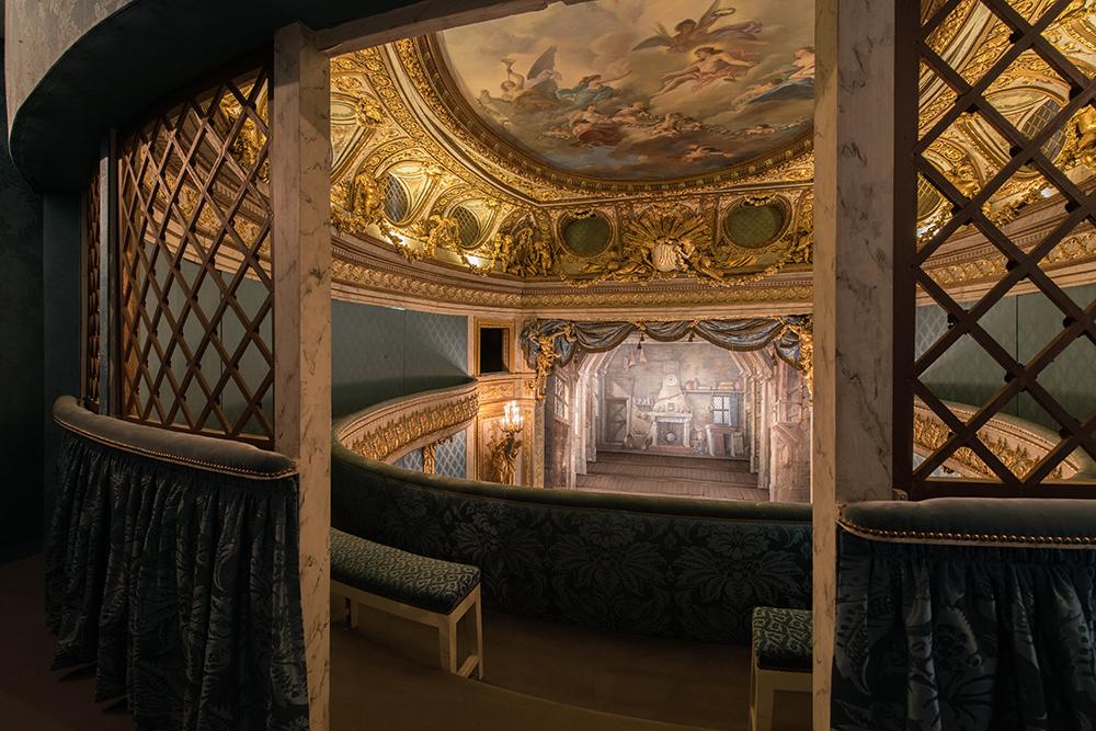 Un théâtre de poche dans les jardins du petit trianon